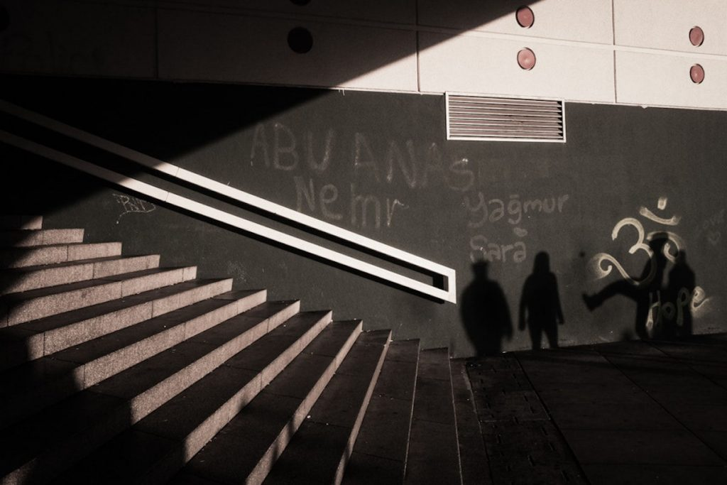 O Oliver Krumes Street Photography 1 Web 1024x683
