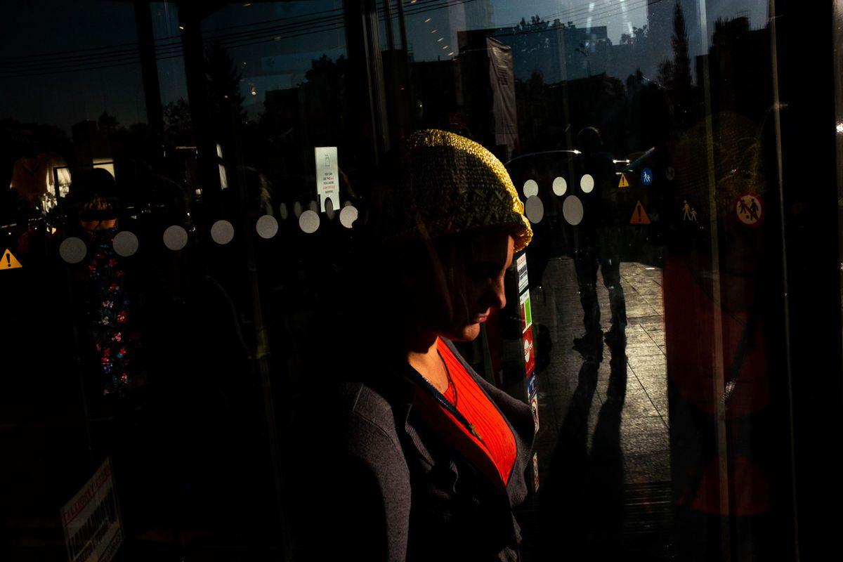 Emi Cercel9 Street Photography 1200x800